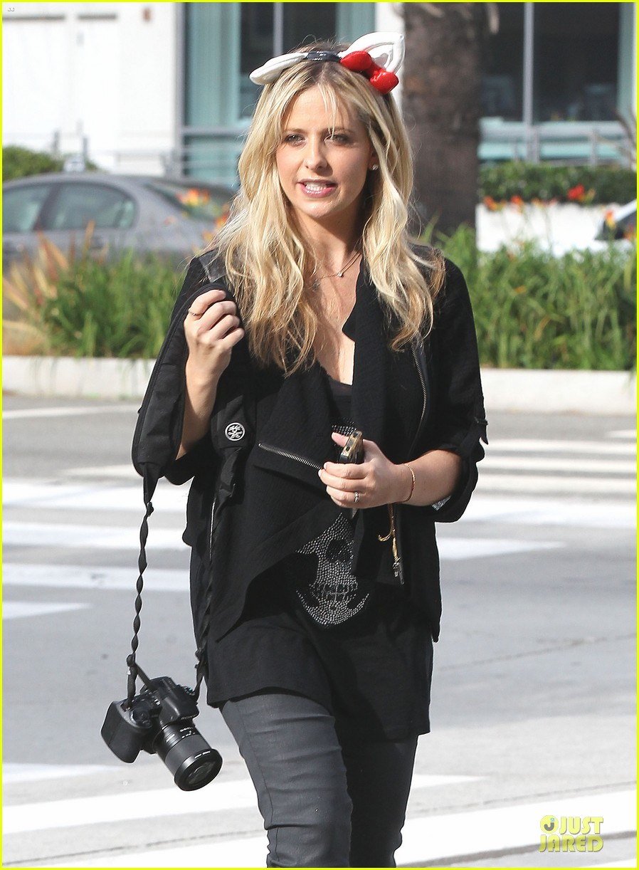 sarah michelle gellar mommy daughter tuesday twosome 10