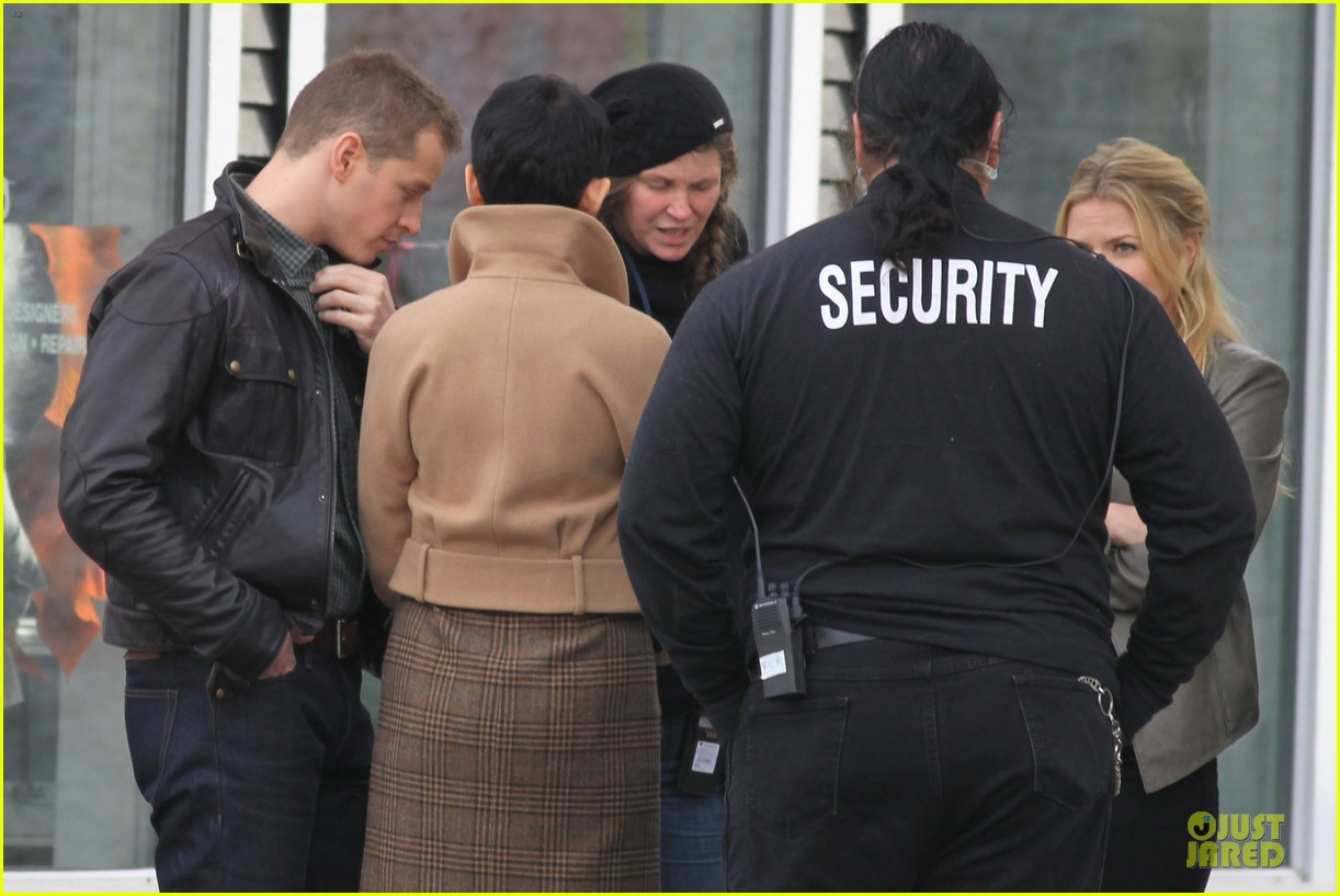 ginnifer goodwin josh dallas once upon a time pawn shop filming 02