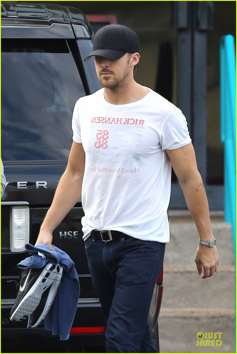 ryan gosling man in motion 112731160