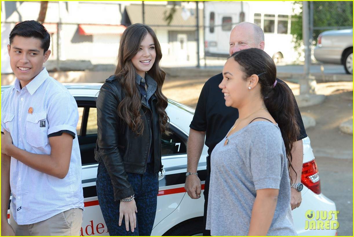 hailee steinfeld national teen driver safety week kick off 20