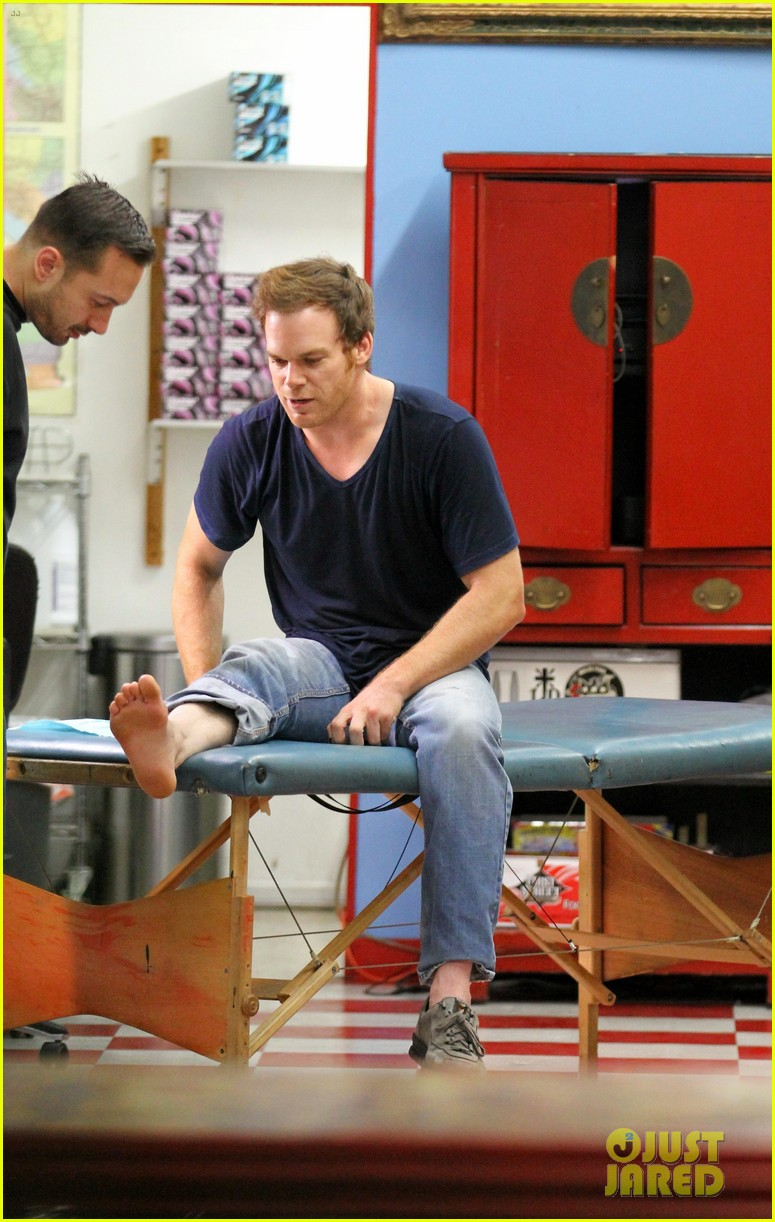 michael c hall gets new foot tattoo 07