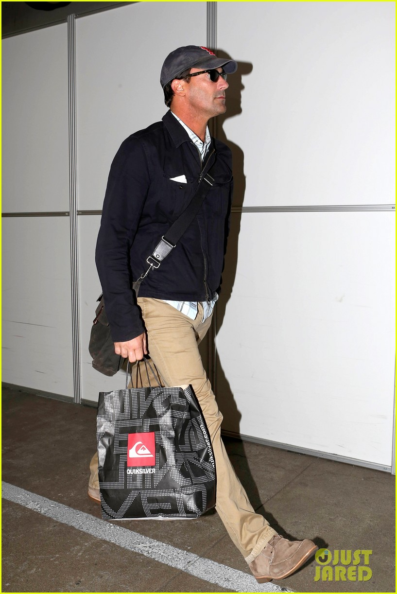 jon hamm back from hawaii 05