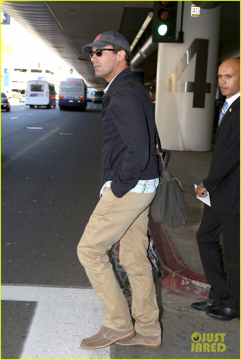 jon hamm back from hawaii 10