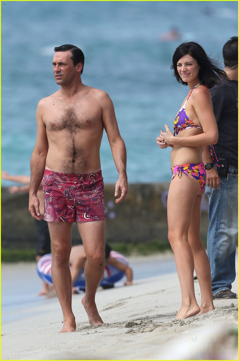 jon hamm shirtless mad men beach scenes in hawaii 01