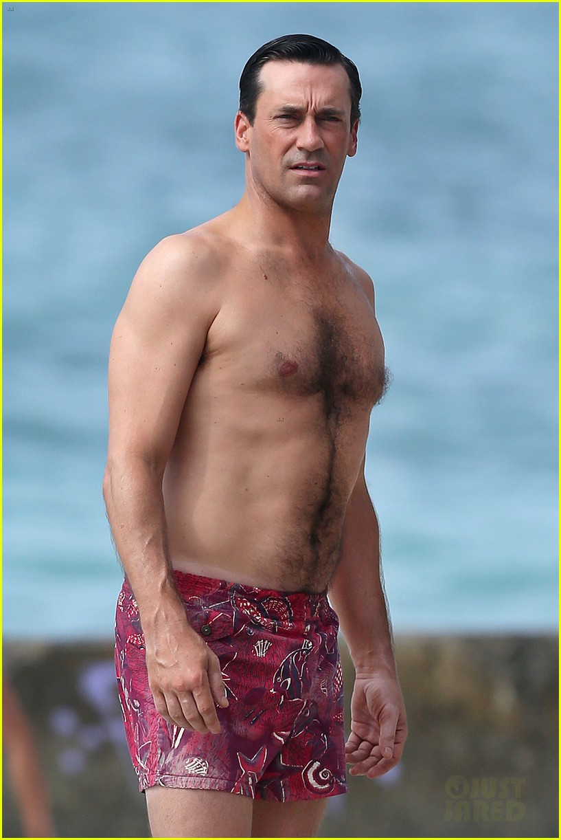 jon hamm shirtless mad men beach scenes in hawaii 02