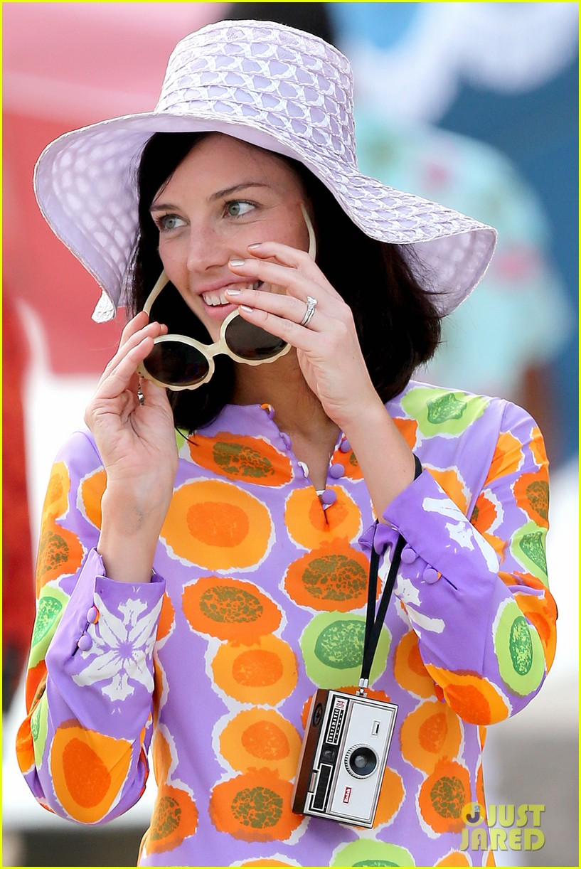 jon hamm jessica pare beach wedding for mad men 03