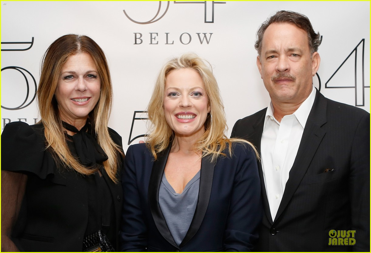 tom hanks sherie rene scott performance with rita wilson 04