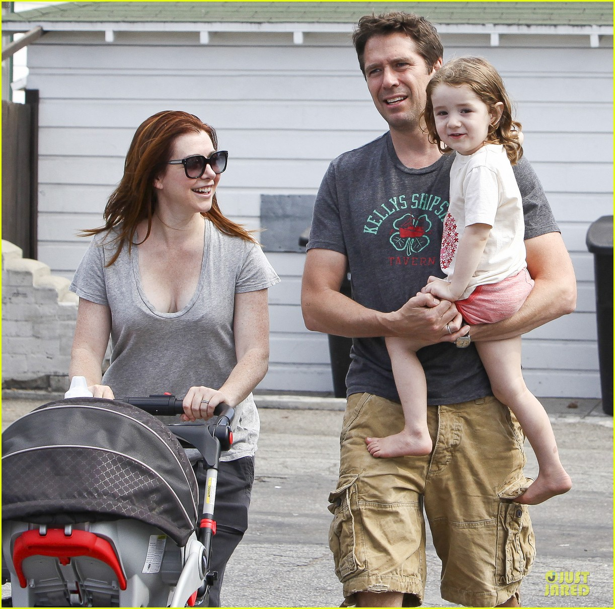 alyson hannigan santa monica fun with the family 04