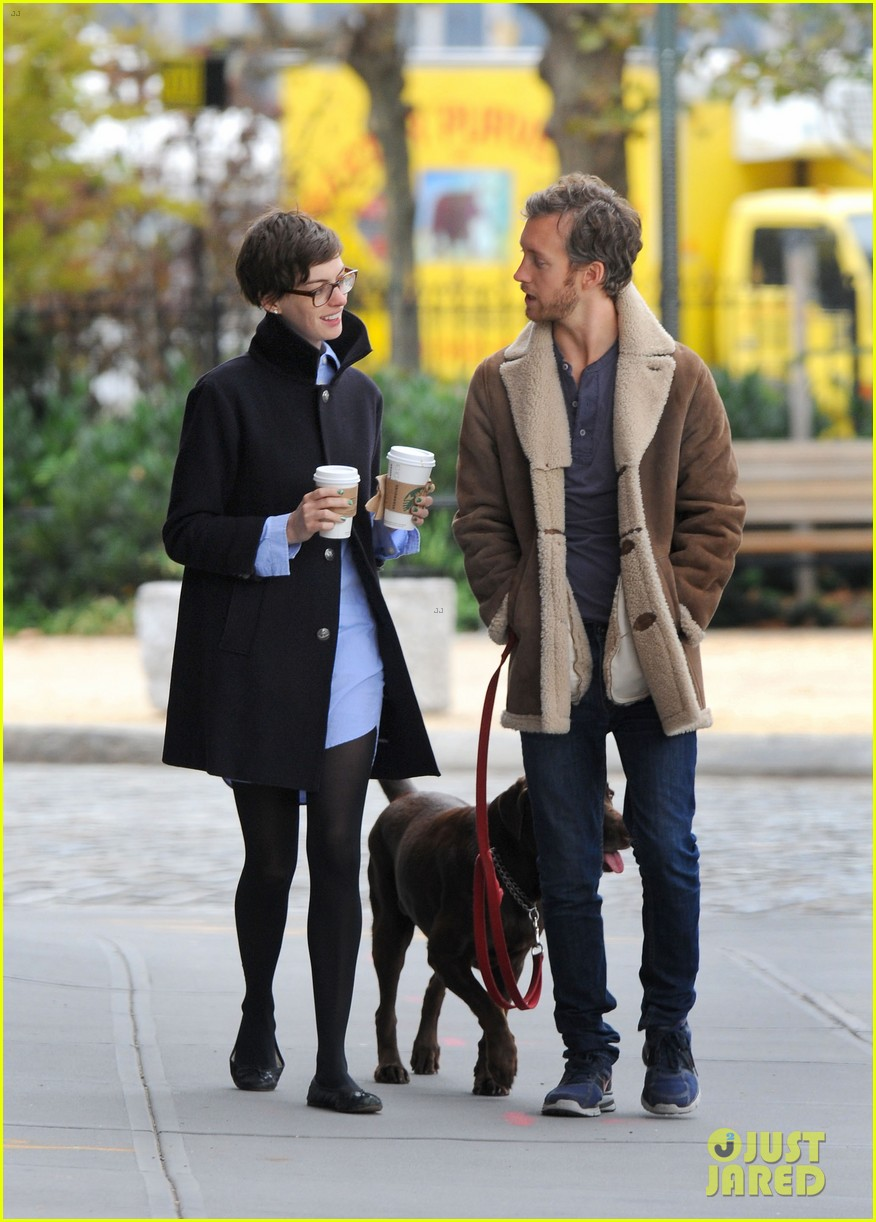 anne hathaway adam shulman coffee dog walk 13