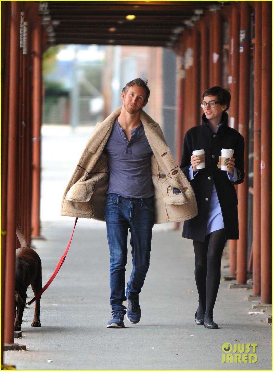anne hathaway adam shulman coffee dog walk 20