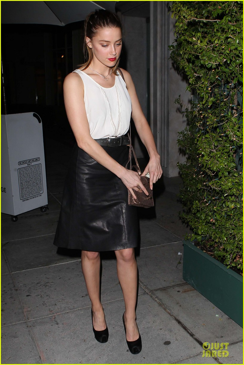 amber heard mr.chow restaurant stop 03