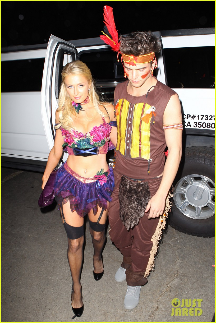 paris hilton river vilperi halloween party pair 01