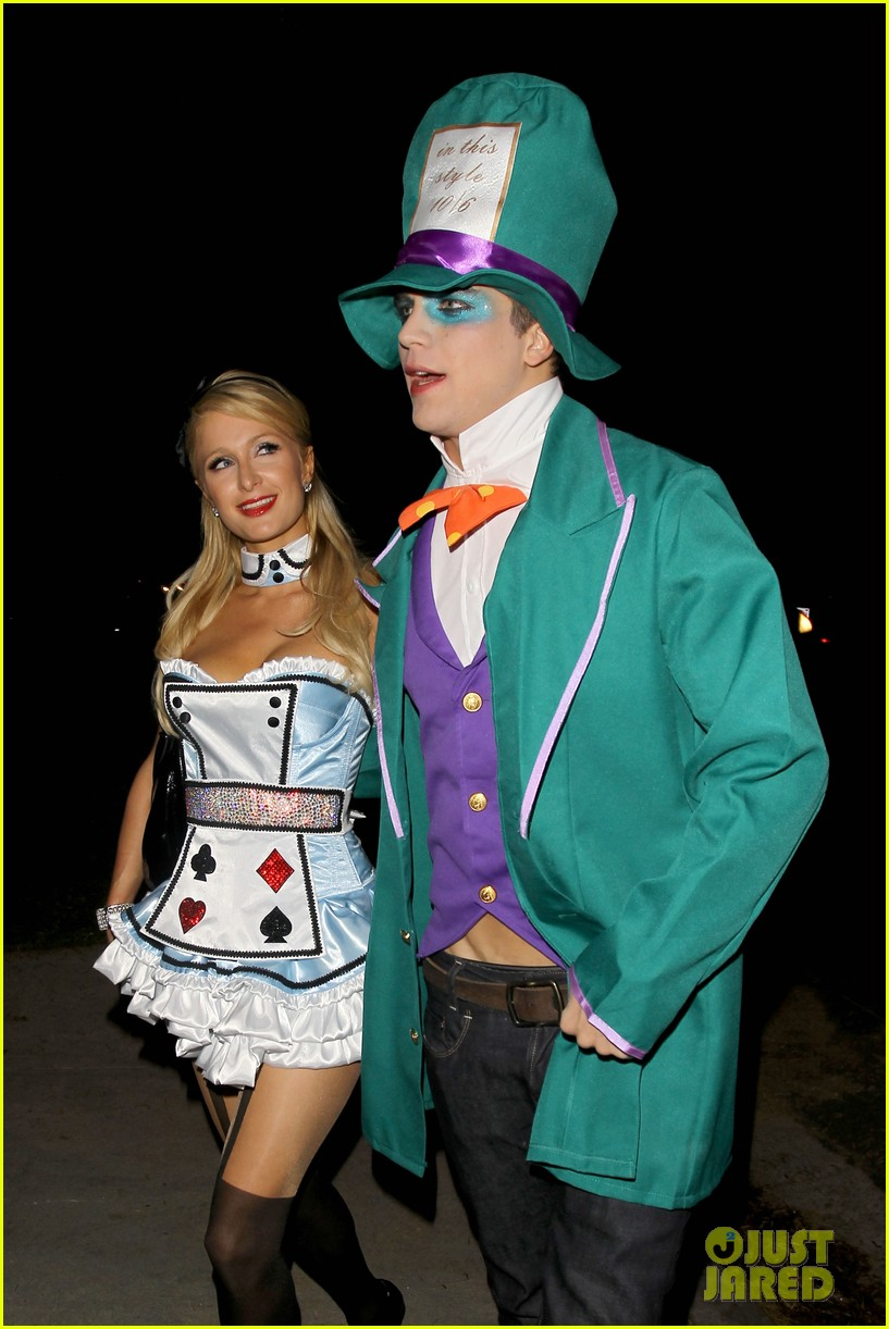 paris hilton river vilperi halloween party pair 02