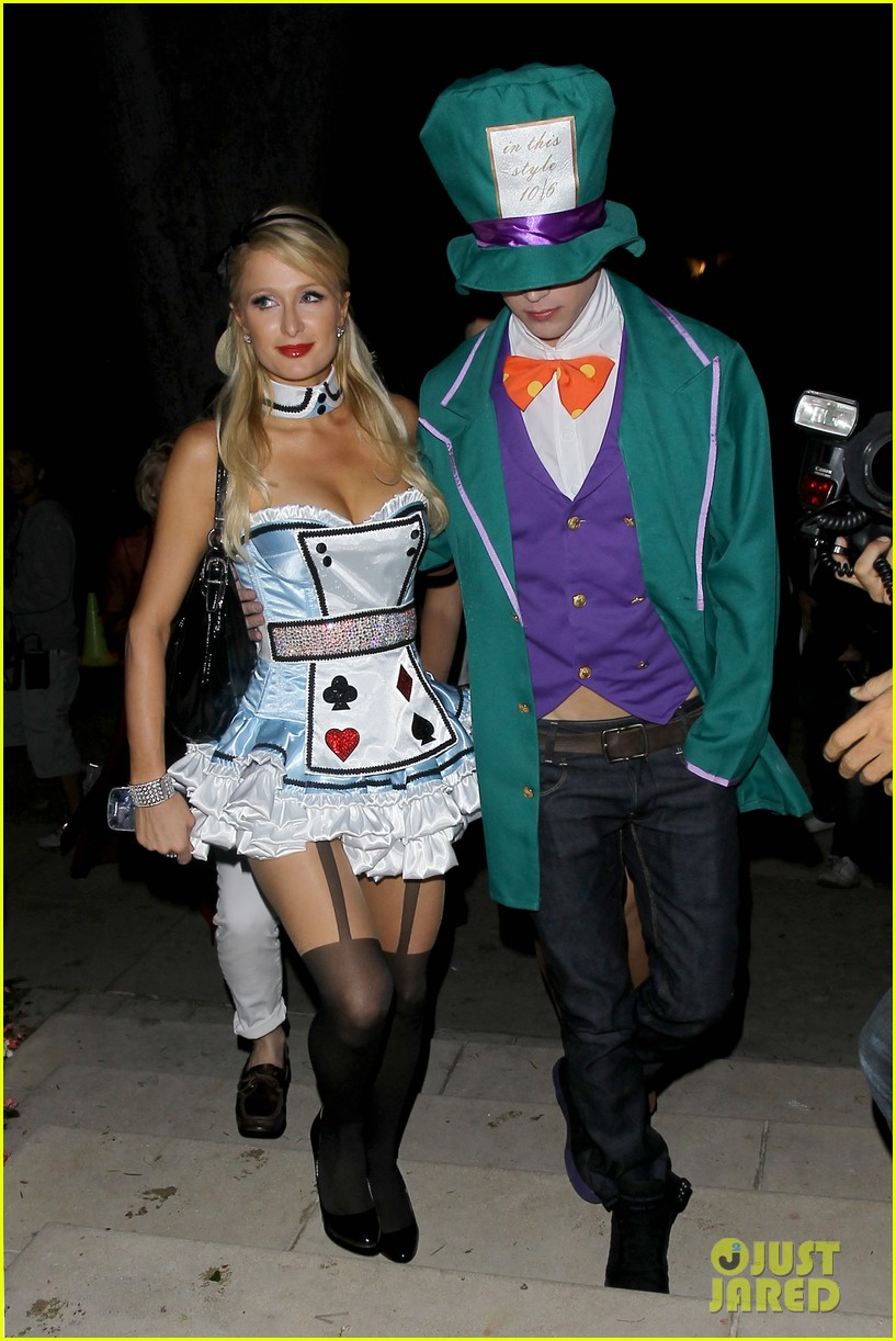 paris hilton river vilperi halloween party pair 09