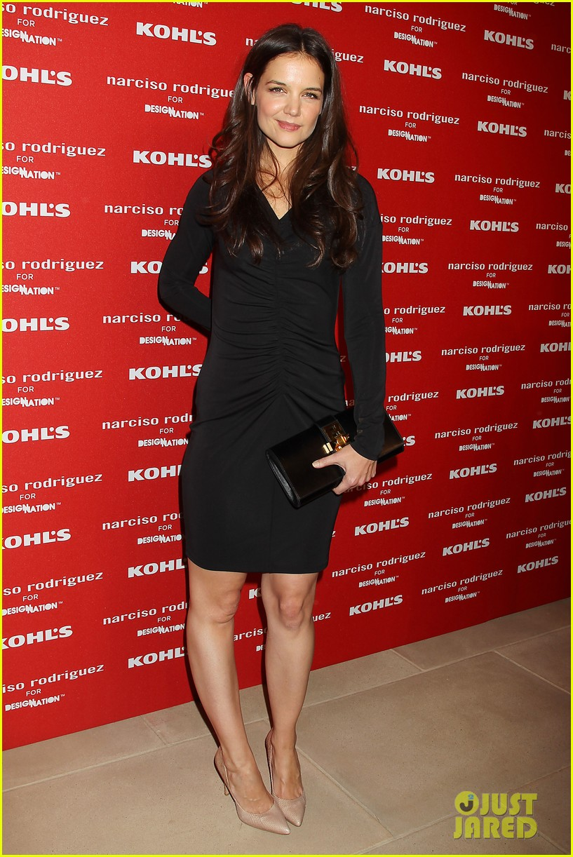 katie holmes emma roberts narciso rodriguez kohls launch party 01