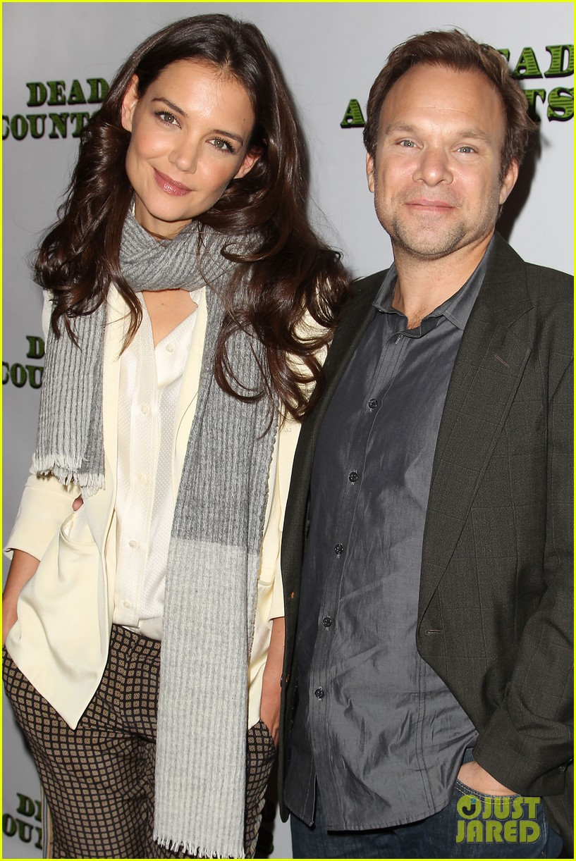 katie holmes dead accounts broadway photo call 292737123