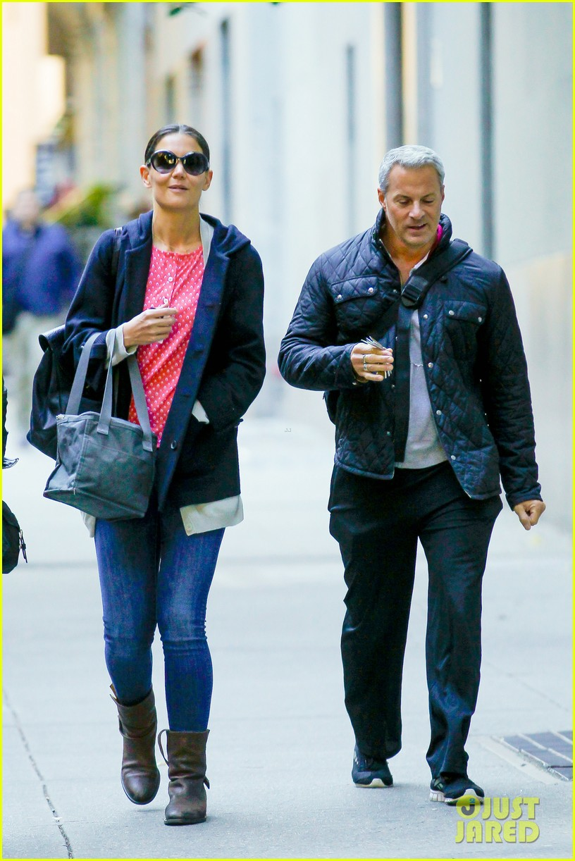 katie holmes early morning stroll with guy pal 07