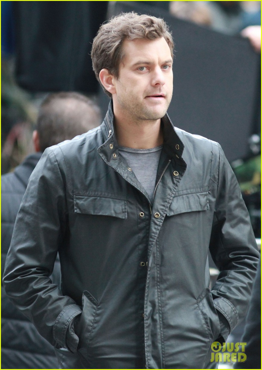 joshua jackson fringe set 07