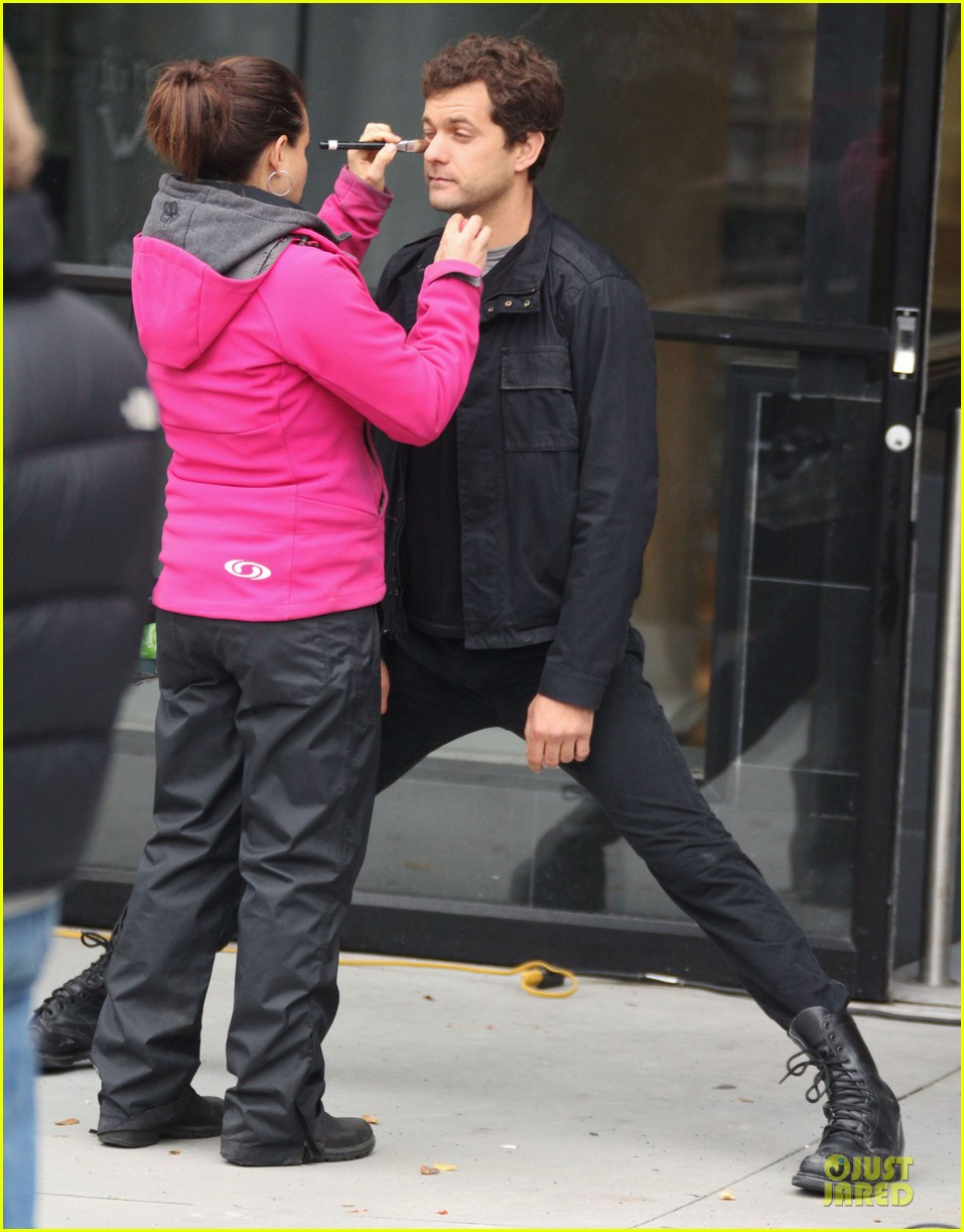 joshua jackson streches on fringe set 012739063