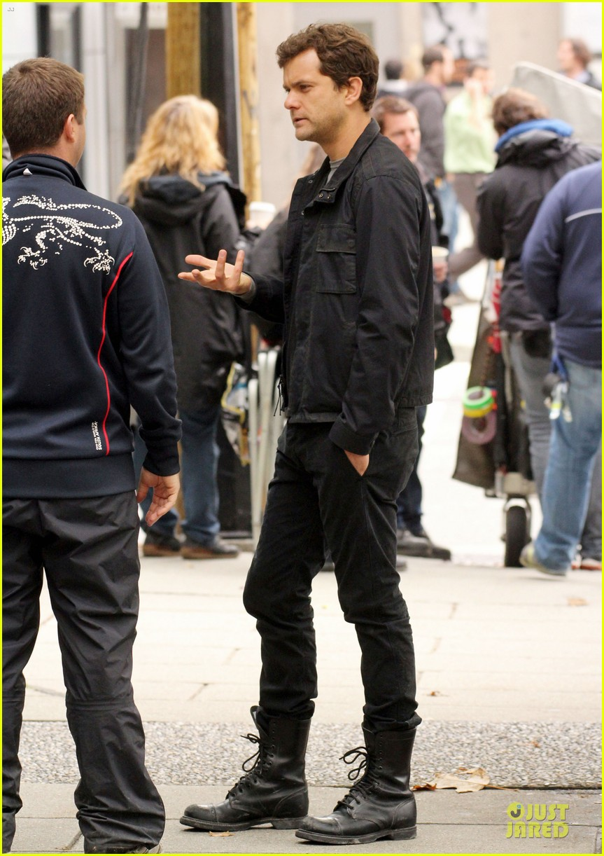 joshua jackson streches on fringe set 08