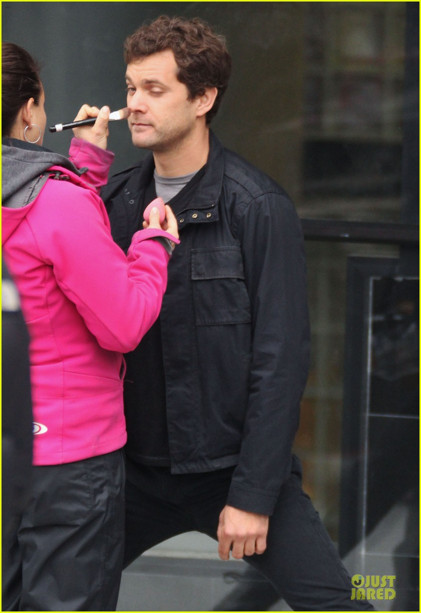 joshua jackson streches on fringe set 24