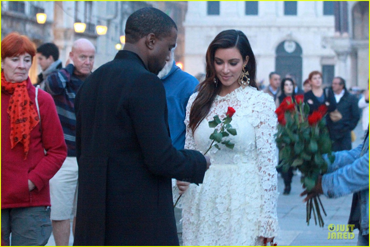 kanye west kim kardashian birthday dinner in venice 06