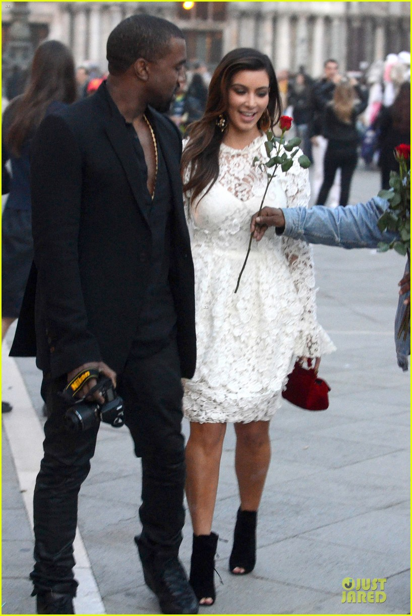 kanye west kim kardashian birthday dinner in venice 162742309