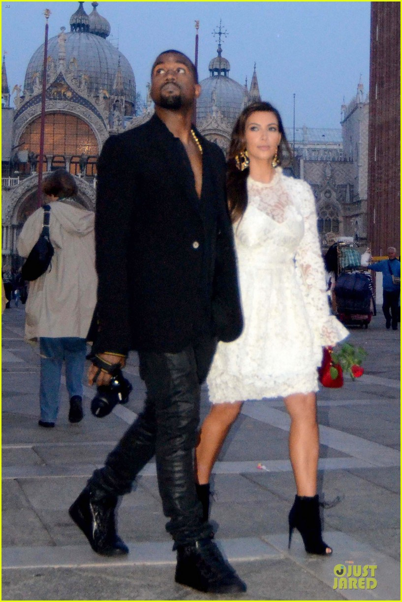 kanye west kim kardashian birthday dinner in venice 18