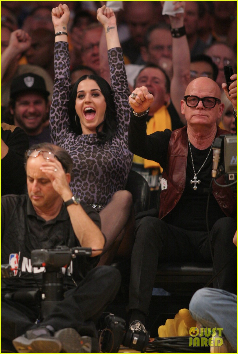 katy perry russell brand attend lakers season opener separately 012748786