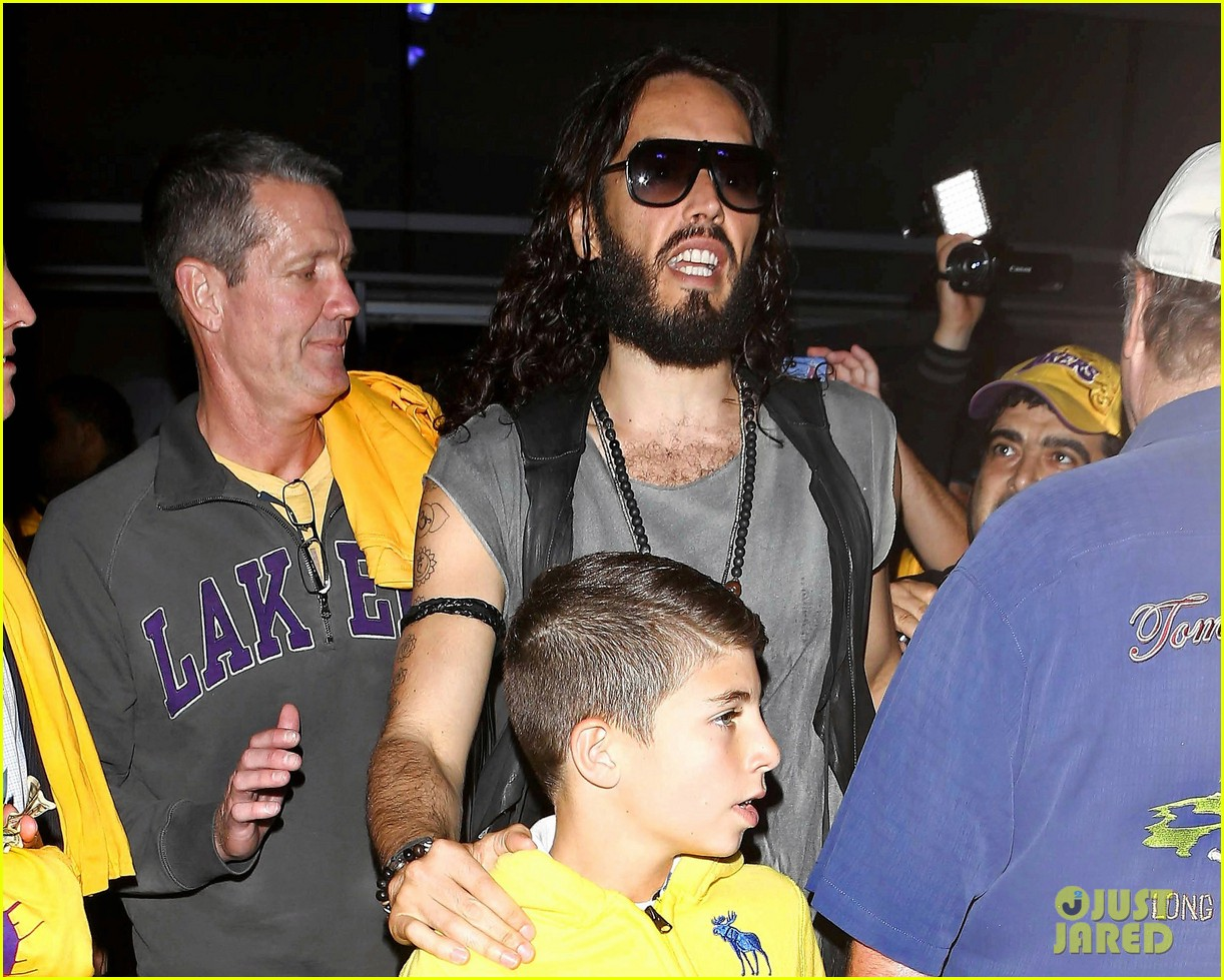 katy perry russell brand attend lakers season opener separately 02