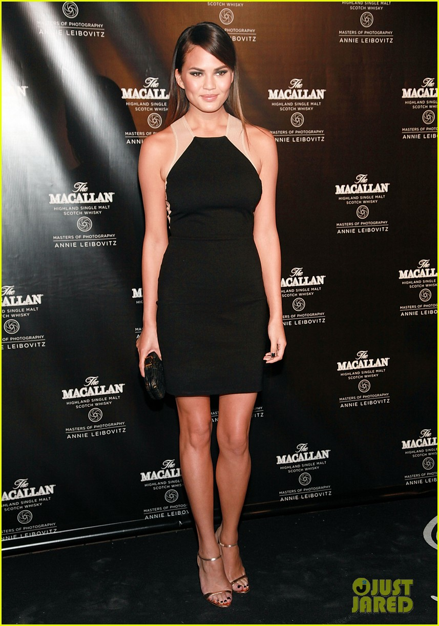 stacy keibler annie leibovitzs macallan masters exhibit launch 052736446