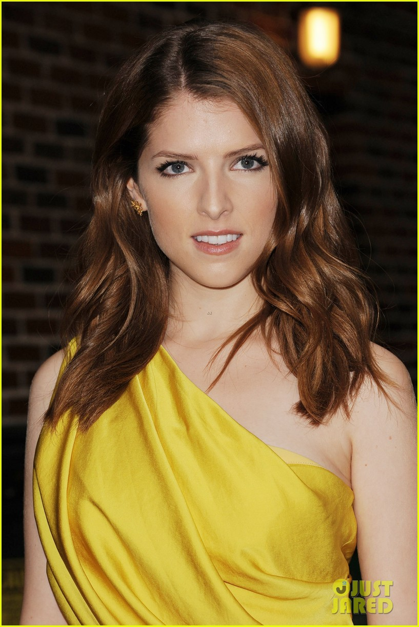 anna kendrick late show with david letterman visit 042733186