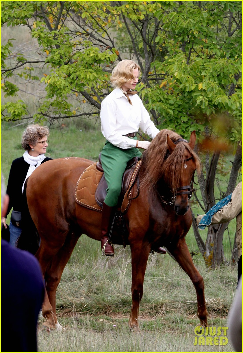 nicole kidman horseback riding for grace kelly 102737087
