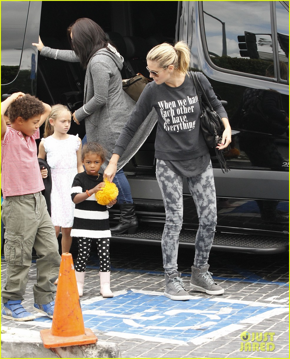 heidi klum sunday fun with  the kids 182742102