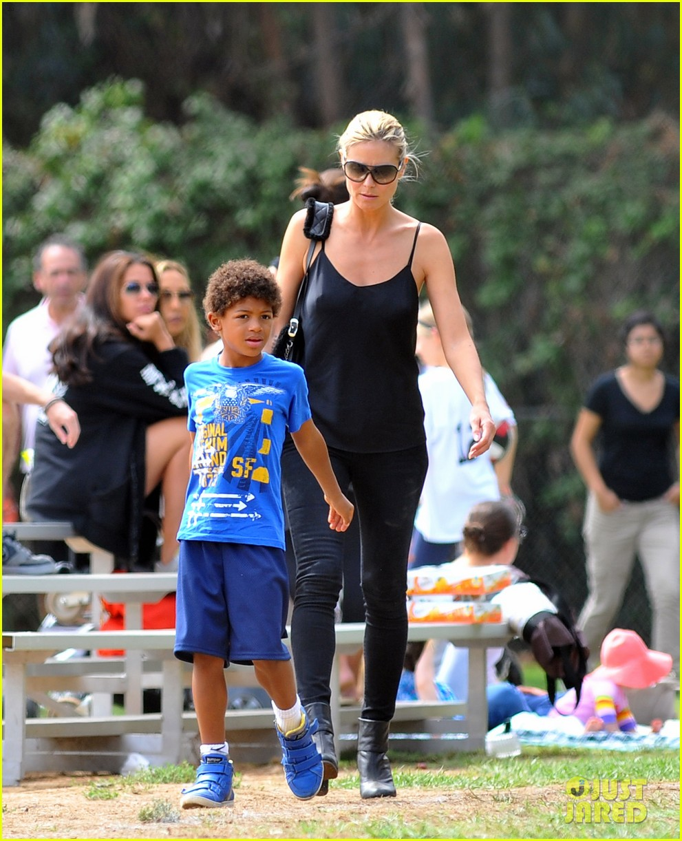 heidi klum martin kirsten pumpkin patch with the kids 11