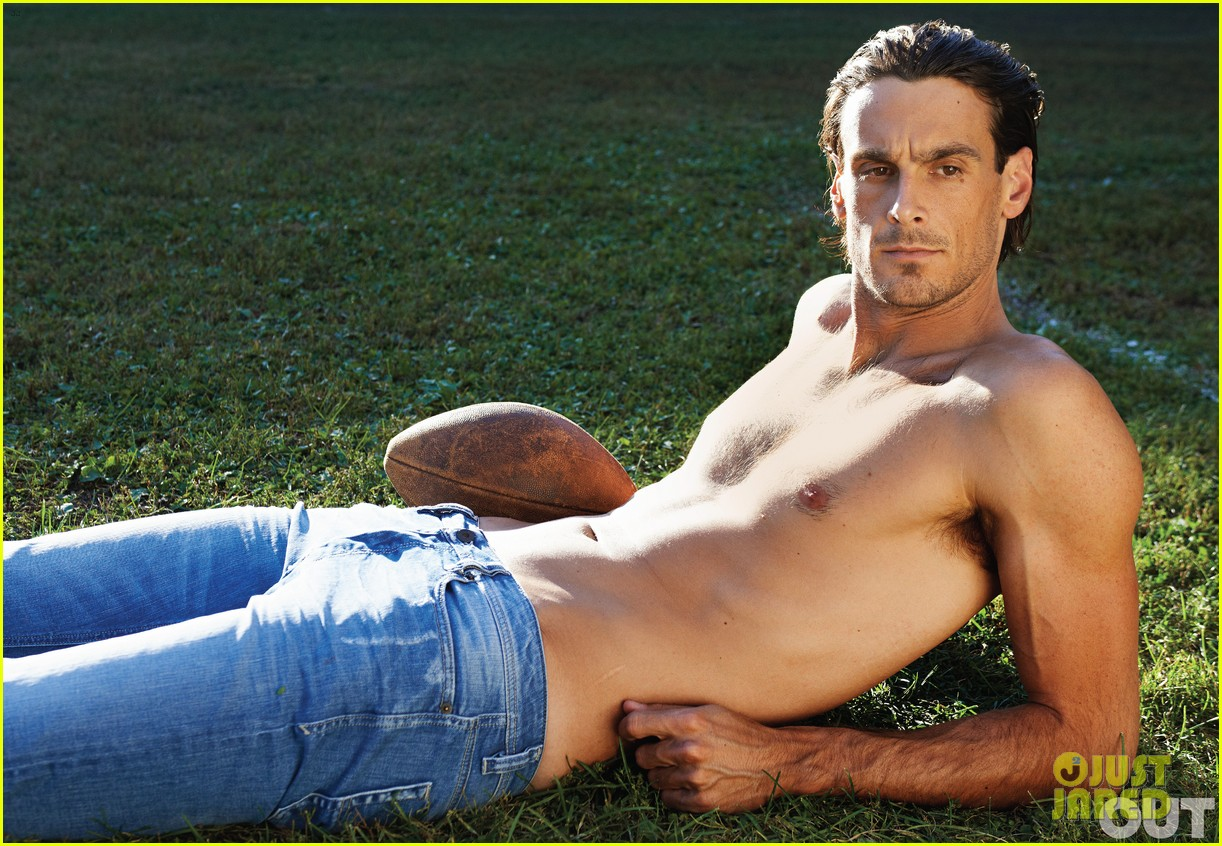 nfl player gay advocate chris kluwe covers out magazine november 2012 02