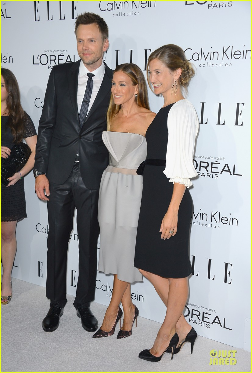 john krasinski jenna fischer elle women in hollywood 01