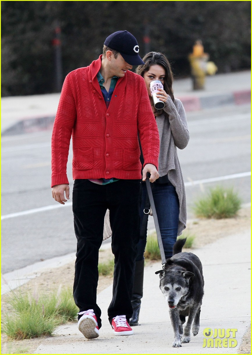 ashton kutcher mila kunis monday morning dog walk 10