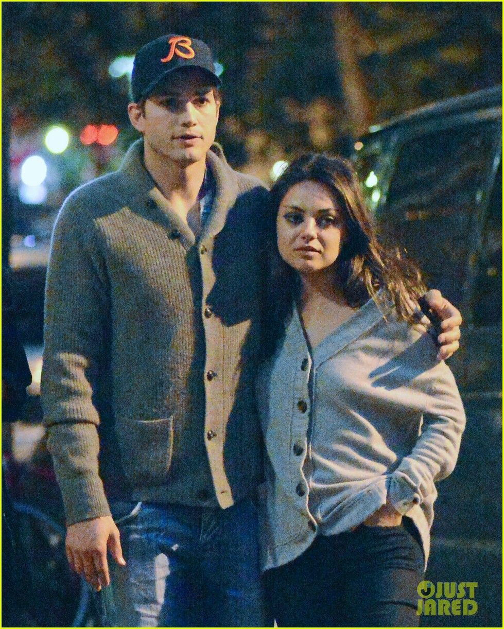 ashton kutcher mila kunis west village dinner date 02