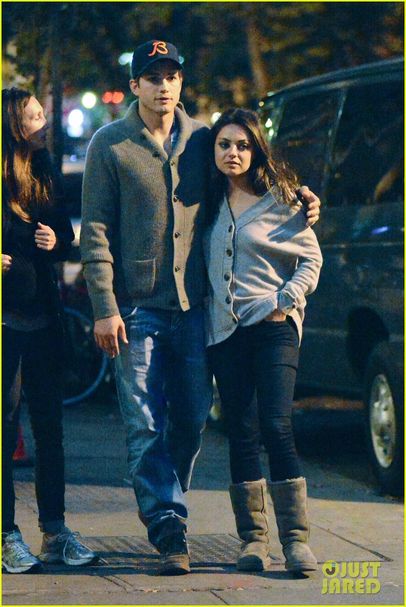 ashton kutcher mila kunis west village dinner date 19