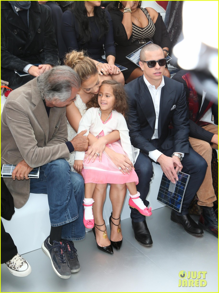 jennifer lopez chanel paris fashion week show 052731655