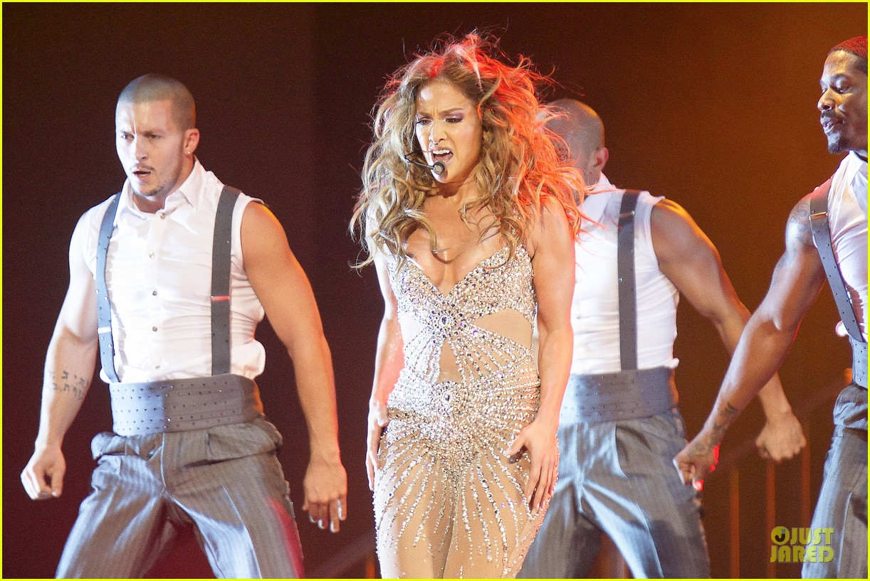 jennifer lopez madrid dance again concert 21