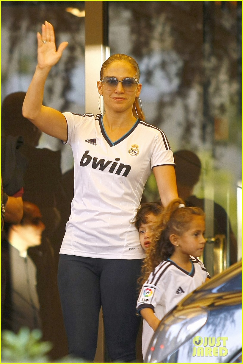 jennifer lopez max emme goodbye madrid 012734481