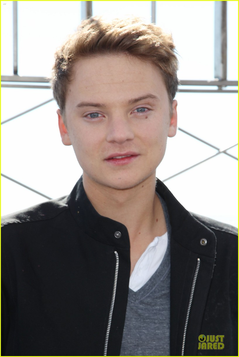 conor maynard tops empire state building 022739395