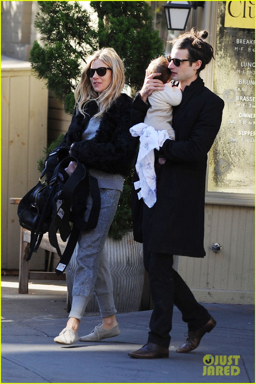 sienna miller saturday stroll with family 02