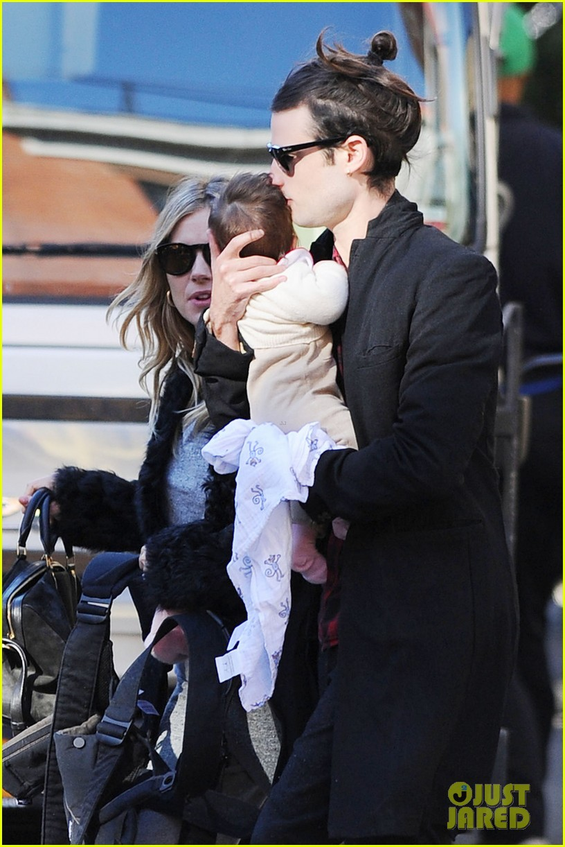 sienna miller saturday stroll with family 04