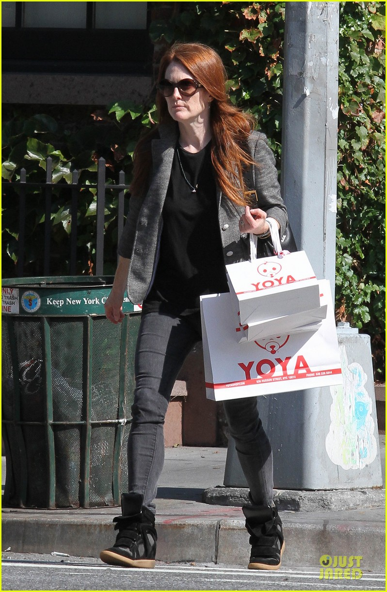 julianne moore jewelry stolen from new york home 032733965