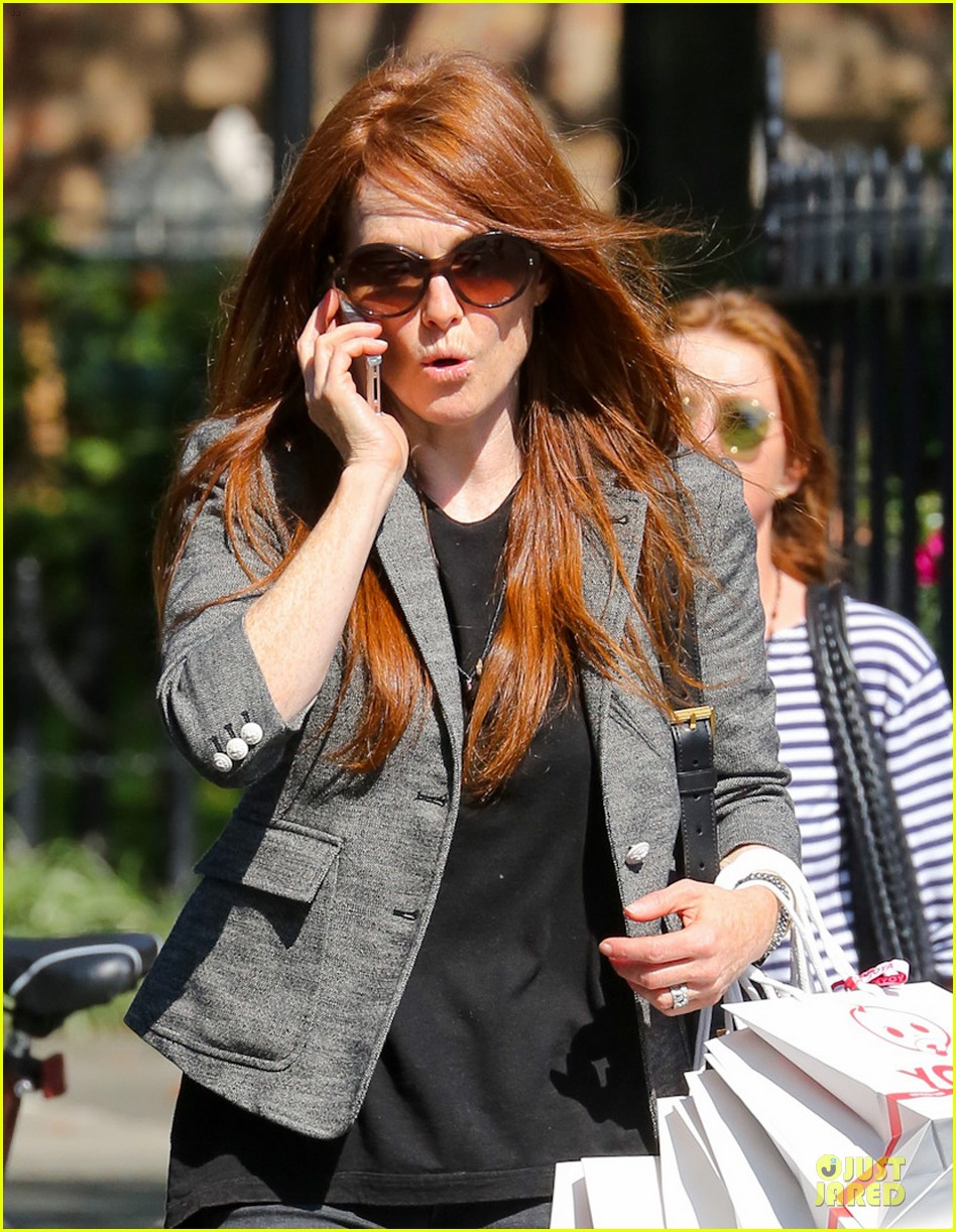 julianne moore jewelry stolen from new york home 042733966