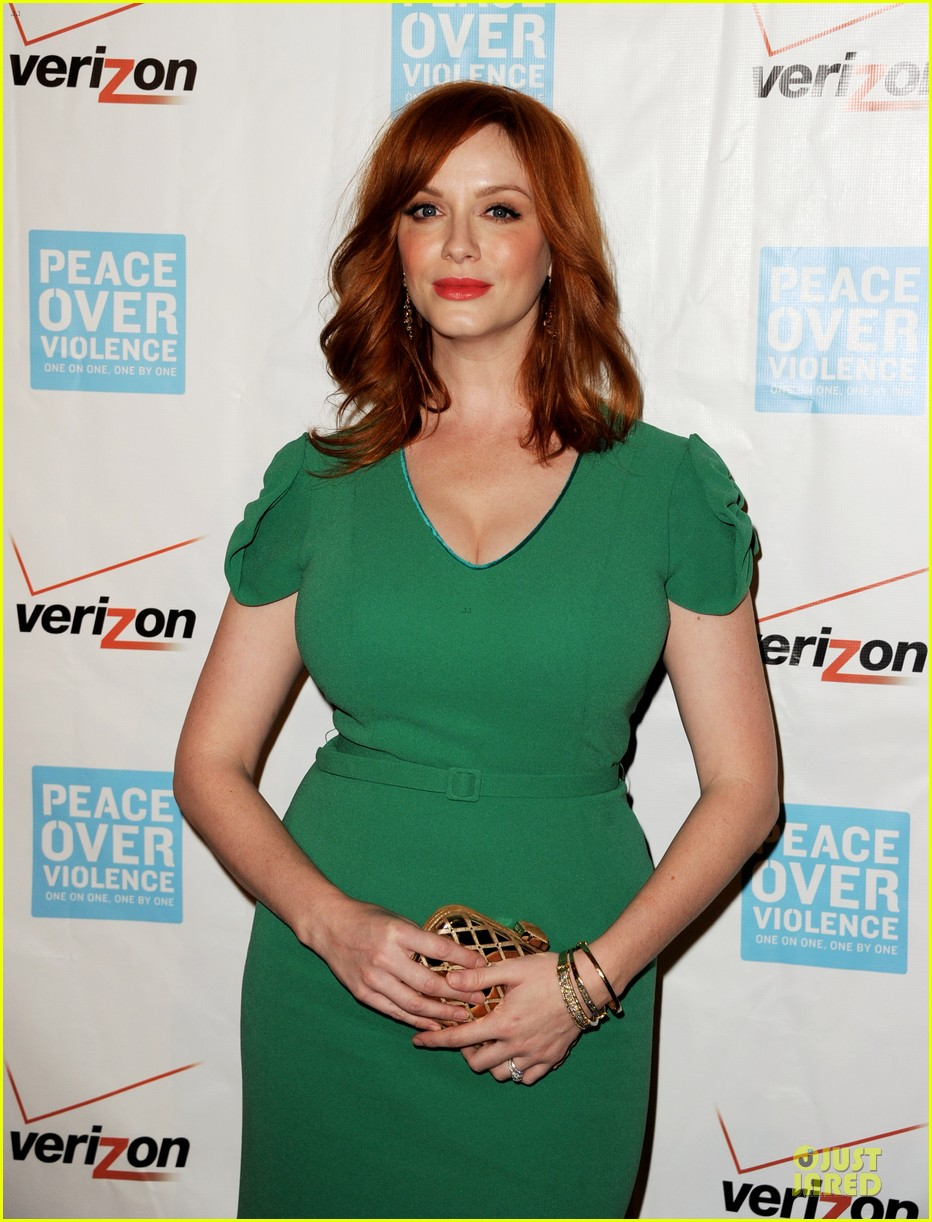 elisabeth moss january jones peace over violence humanitarian awards 23