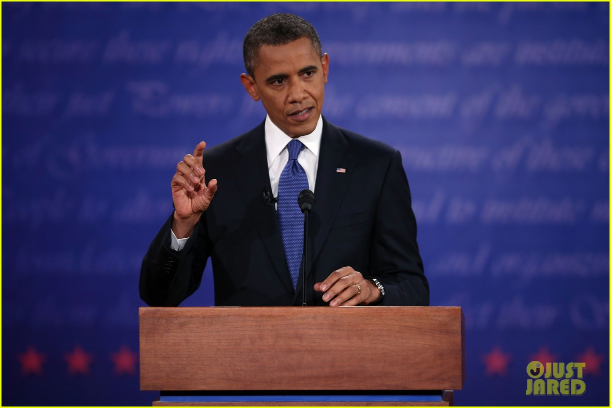 """mitt romney vs barack obama essay This article uses the vocabulary provided by scholarship on gaffes, narrative paradigm, and representative anecdote to suggest that both the obama and romney campaigns employed mitt romney's leaked """"47%"""" comment as a burkean representative anecdote in the 2012 election."""